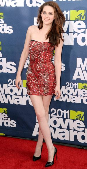 2011 MTV Movie Awards Flashback: #KristenStewart went short and sexy in a safety-pin bedecked blood-red #Balmain mini. http://news.instyle.com/photo-gallery/?postgallery=58298