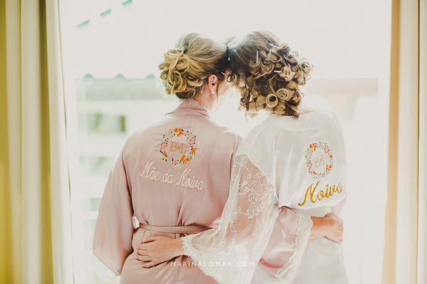 A noiva Bárbara e sua mãe no making of