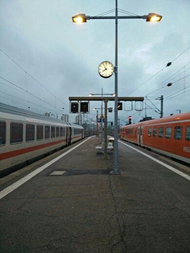 Stuttgart Hbf: Ausfahrt aus dem Kopfbahnhof