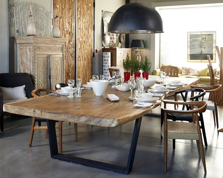 Suar table - Mia Collections