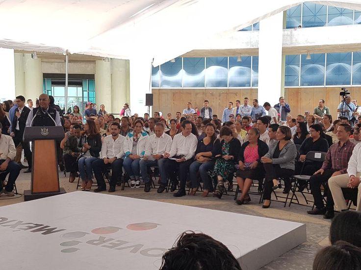 Entrega Rosario Robles apoyos    http://ift.tt/2uDxgnN