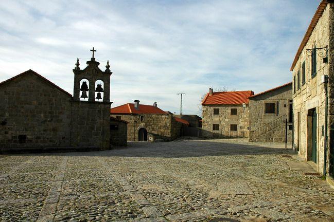 Linhares, aldeia histórica do concelho de Celorico da Beira, é um autêntico museu ao ar livre. Com um passado rico bem guardado até aos nossos dias, cada uma das pedras das magníficas ruas que aqui existem, contam histórias fantásticas, e revelam a importância que esta aldeia teve no passado.Situada…