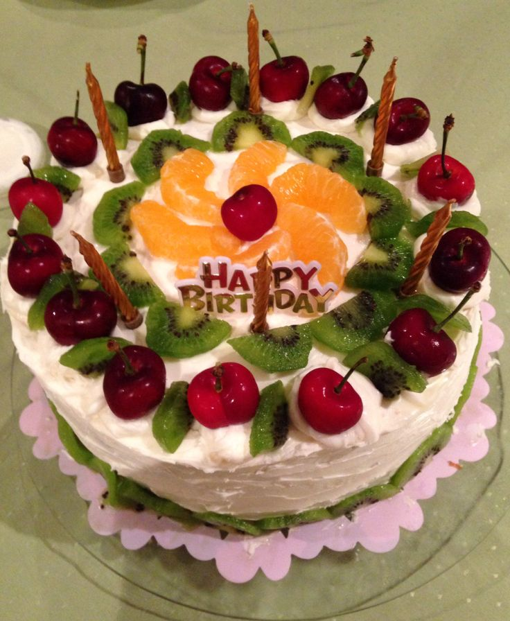 Madeira cake with fresh fruits