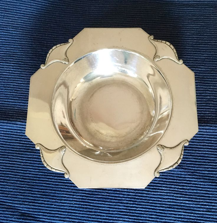 Dutch Amsterdamse school silver plate design Chris van der Hoef for Gero Zeist circa 1925.