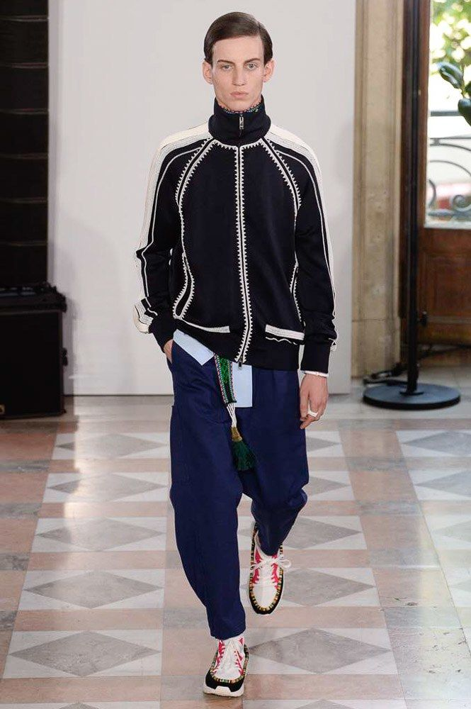 Valentino Spring 2018 Menswear Collection Photos - Vogue