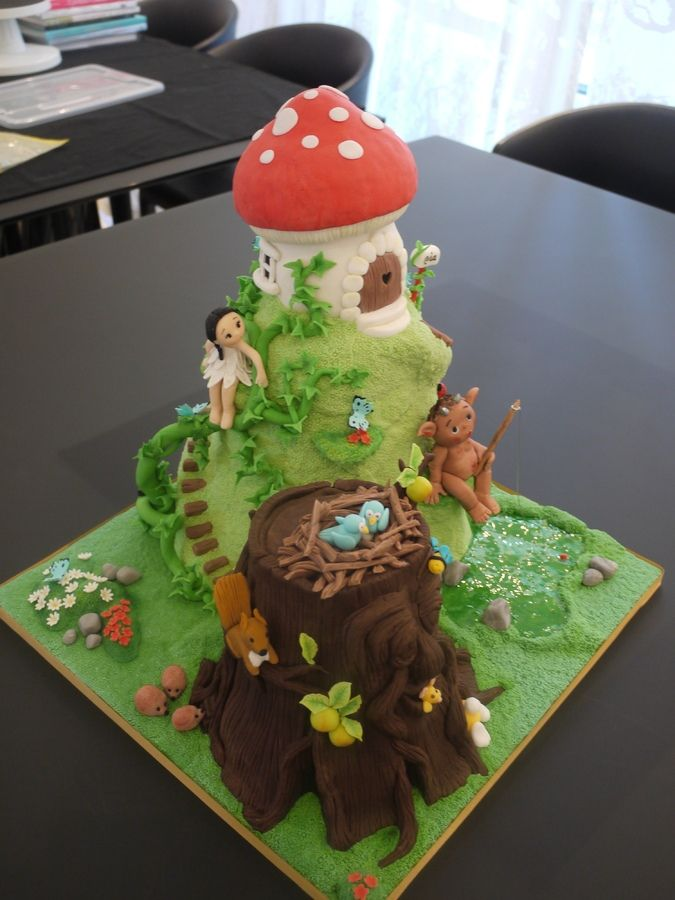 Birthday Cake Ideas Enchanted Forest Theme : 1000+ images about Cake Design - Kids - Tinkerbell and ...