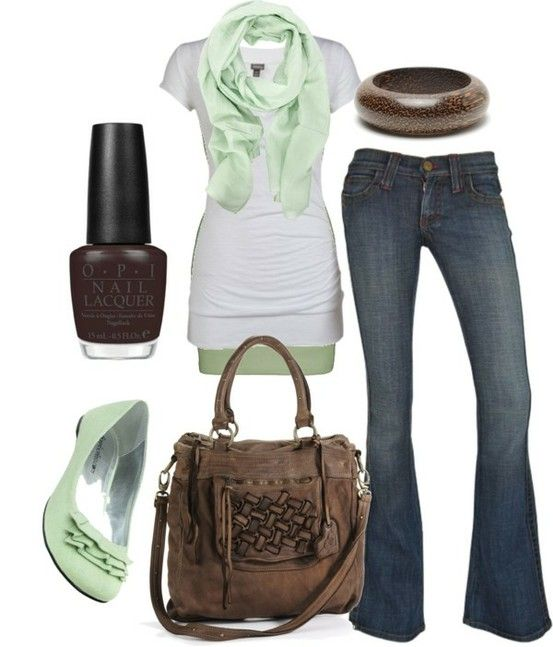Love the minty green popColors Combos, Fashion, Mint Green, Style, Outfit, Mint Chocolates Chips, Mint Color, Jeans, Shades Of Green