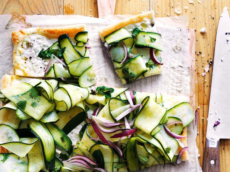 Torta con feta e zucchine