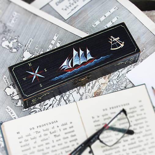 TalkFolk / Puzdro s plachetnicou (ručne maľované)