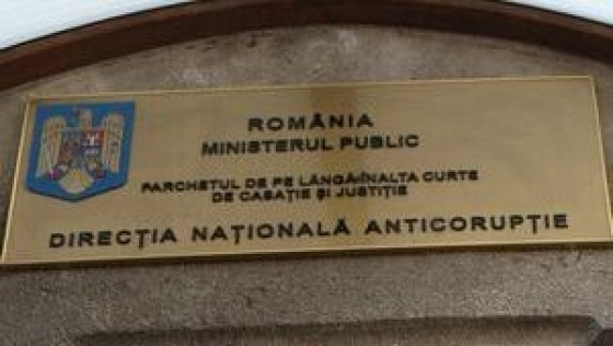 Procurorii Directiei Nationale Anticoruptie - Serviciul teritorial Cluj au dispus trimiterea in judecata a lui Sebastian Popa, administrator al unor societati comerciale din Cluj, intre care Prostein SRL, pentru inselaciune cu consecinte deosebit de grave si uz de fals.