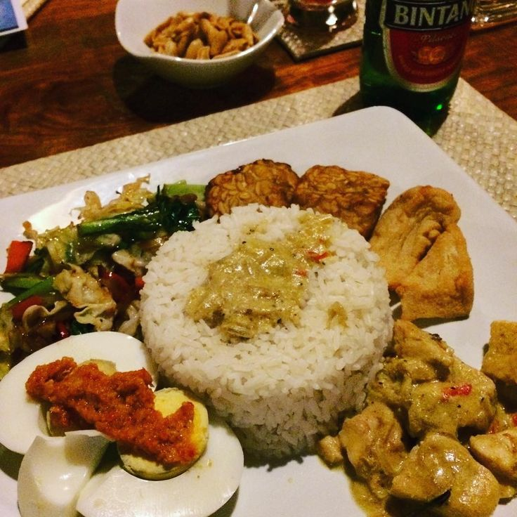 Yum! Amazing first plate of food this trip - Nasi Campur. And a small Bintang.