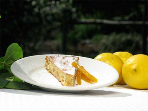 Pastiera Napolitana con frutta candita - napolitansk kaka med kanderad frukt