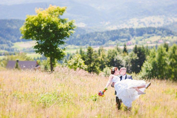 Fotografia ślubna cennik - Poradnik 5 część, ostatnia część poradnika dla osób planujących swój ślub. Pomaga zaplanować czas związany z zdjęciami ślubnymi.