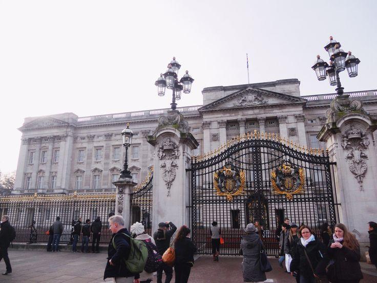 London ~ Buckingham Palace