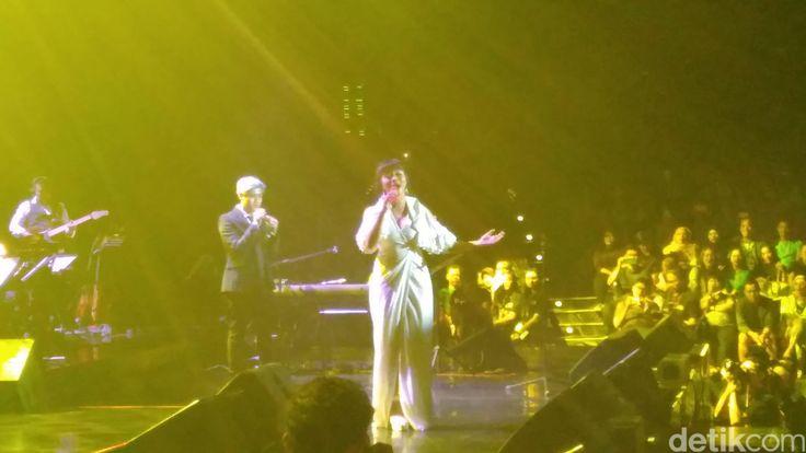Konser 'Tanda Mata Glenn Fredly Untuk Ruth Sahanaya' | PT. Kontak Perkasa Futures     Tak kalah menarik, kombinasi suara yang ditampilkan ...