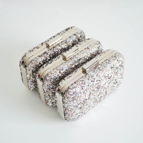 EMBELLISHED CLUTCH SILVER / MONASHE.PL - Sklep online z modna odzieza.