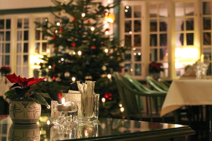 Weihnachtliche Dekoration im Café Namenlos. #Weihnachten #Hotel #Ahrenshoop