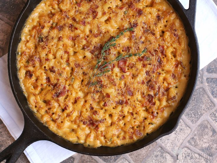 You are going to love this. Garlic, bacon, and beer and macaroni and cheese!
