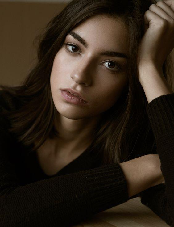 Brown Hair / Brown Eyes / Model: Rocio Crusset