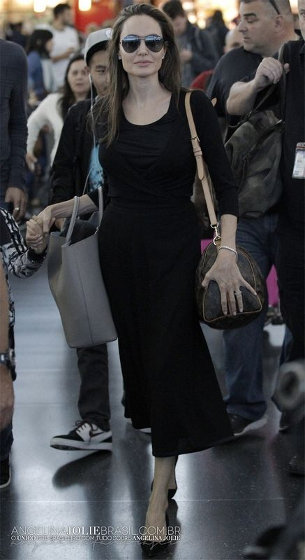 Angelina Jolie Style Street Casual: 25 Photo http://www.ysedusky.com/2017/03/29/angelina-jolie-style-street-casual-25-photo/