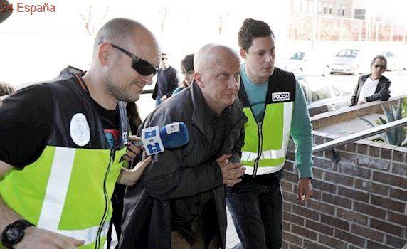 Detenida en Sevilla la pareja de Paco Sanz, una joven de 19 años acusada de apropiación indebida y blanqueo