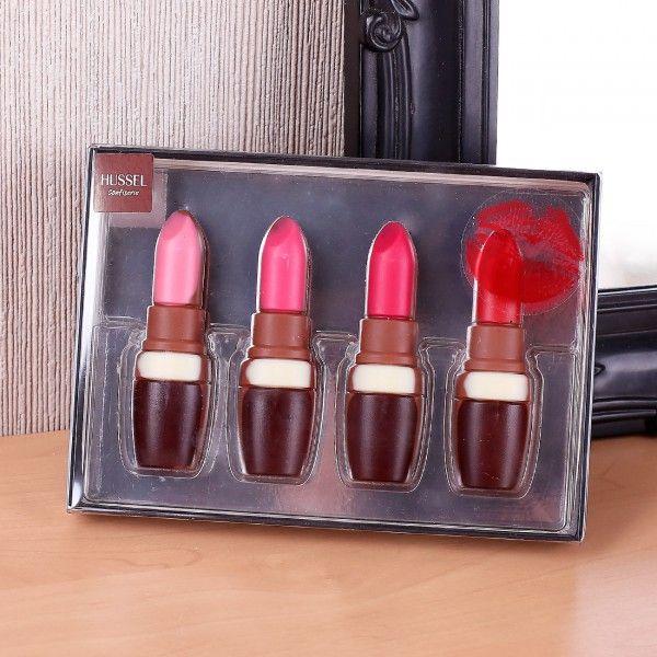 Diese Lippenstift-Box ist genau das richtige Geschenk für die Dame Ihres Herzens. Verschenken Sie diese tolle Kreation aus der #Hussel Confiserie und die Beschenkte wird mit Sichertheit begeistert sein. #Geschenkidee #Schokolade #Lippenstift