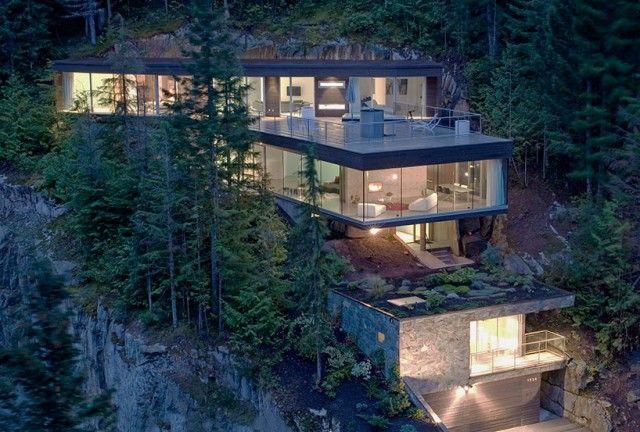 La maison à couper le souffle sur une falaise - Blog Archionline #house #modernhouse