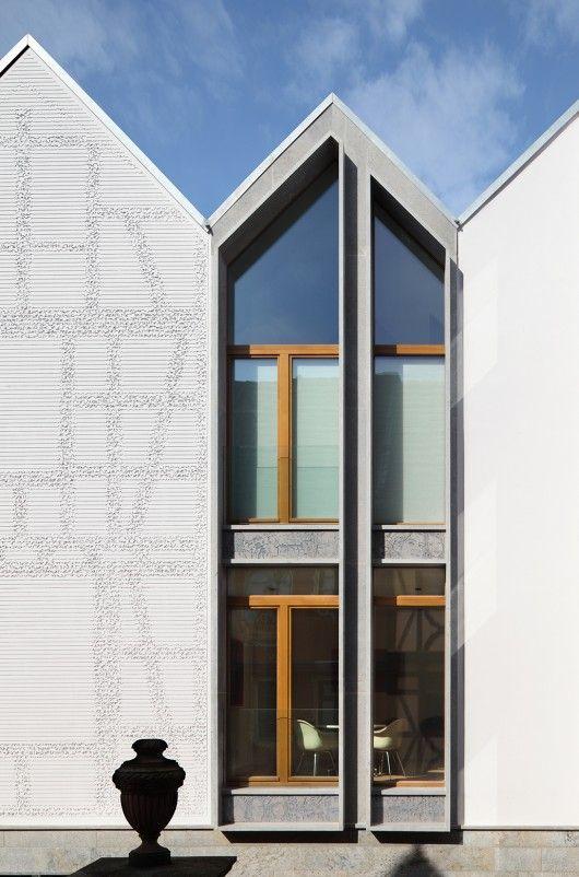 Kleine Rittergasse 11, Germany // Franken Architekten (Photo by Eibe Sînnecken)
