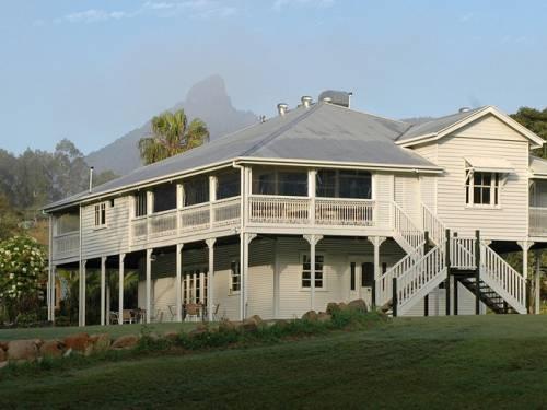 A high-set Victorian era Queenslander home - Maviss Kitchen & Cabins. (AAP)