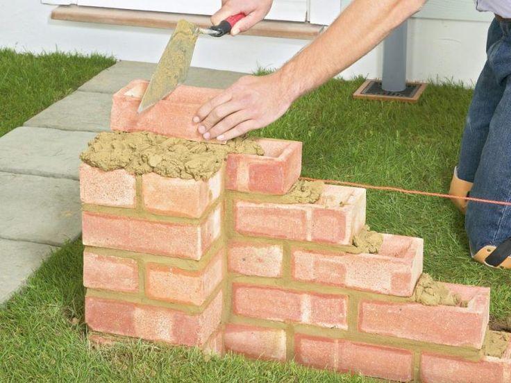 Gartenmauer aus Ziegelsteinen selber bauen – Anleitung