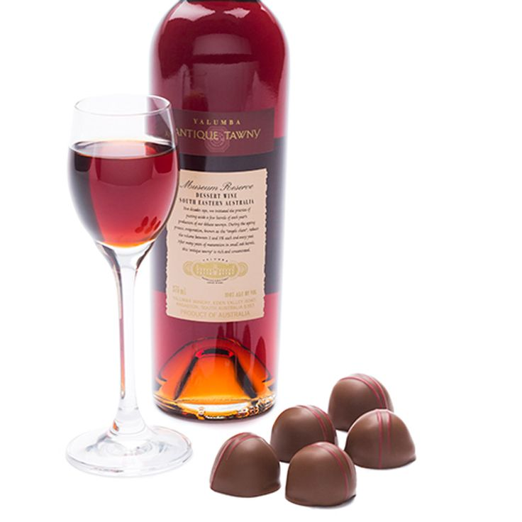 Antique Tawny Fig Liqueur – plump Australian dried figs are steeped in Yalumba Antique Tawny for two weeks. The fruit is then dipped into a tawny infused fondant, enrobed in two layers of milk chocolate and hand decorated before being carefully cellared prior to release. #Yalumba #FathersDay #TheCollaboration