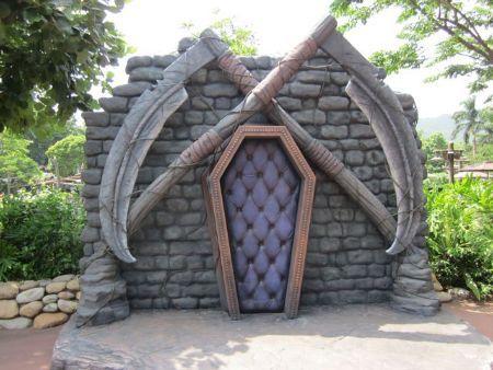 love the padded coffin door
