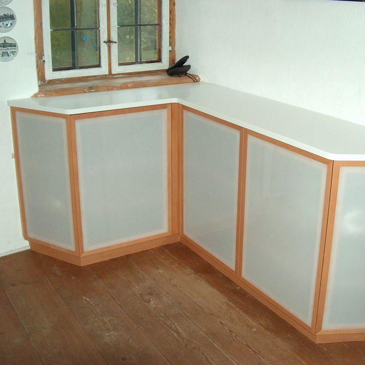 Superb  Sideboard in Buche mit Acrylglas kombiniert