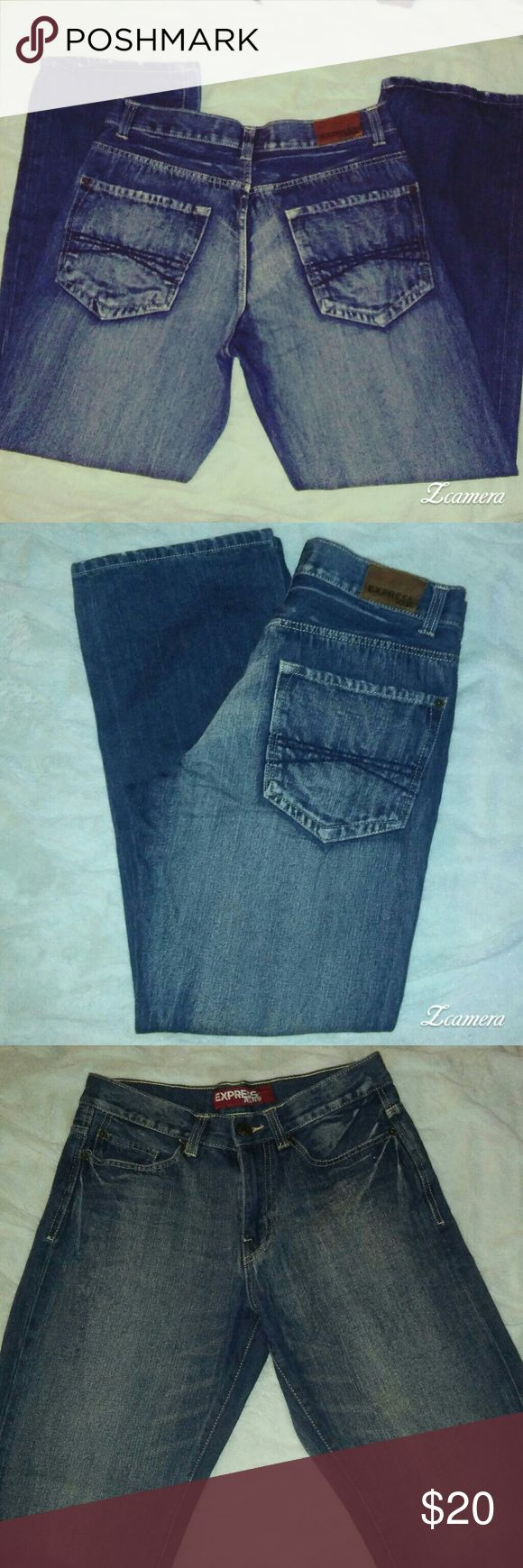 EXPRESS Men's Jeans 32×32 *Super nice EXPRESS Men's jeans *32 inch waist 32 inch inseam *Very Very nice Medium/dark wash *Kingston Boot Cut, Classic fit, regular rise *NO flaws perfect condition Express Jeans Bootcut