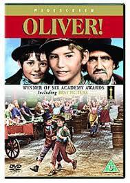 En el siglo XIX, un pobre niño inglés, Oliver Twist, escapa de un orfanato y llega a Londres en busca de fortuna. Allí es reclutado por un granuja llamado Fagin, jefe de una banda de jóvenes ladronzuelos que roban a los transeúntes. Adaptación en formato musical de la famosa obra de Dickens.