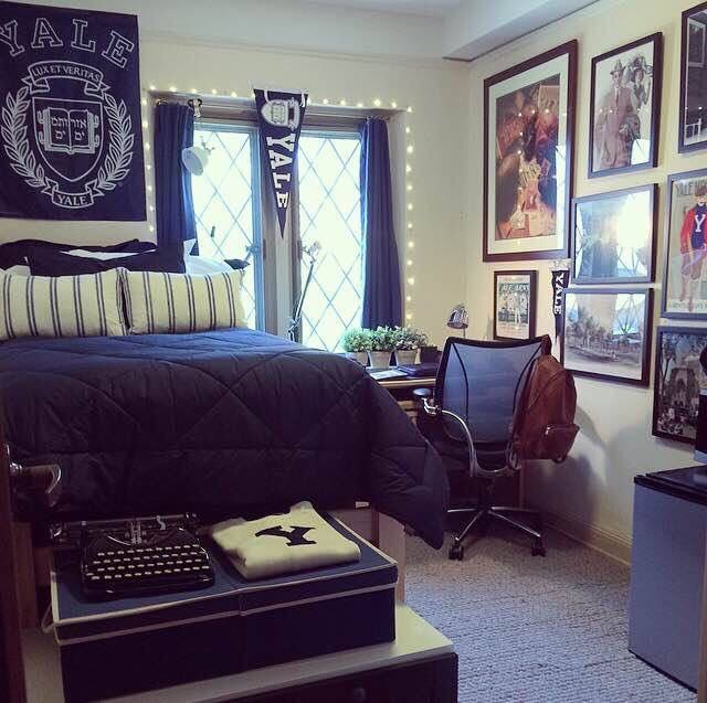 Yale University dorm room   Completely themed in yale blue. Stylin' christmas lights are a good dorm idea