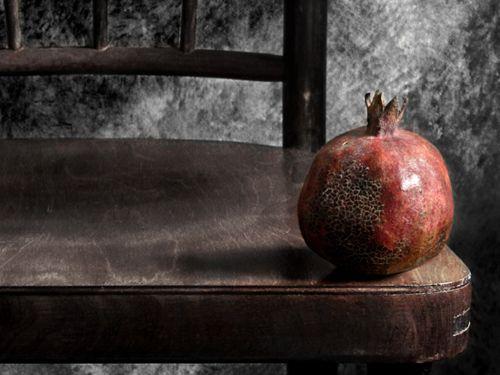 pomegranate w chair
