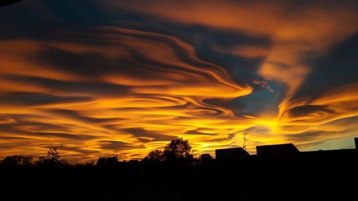 The sky tonight over Milan