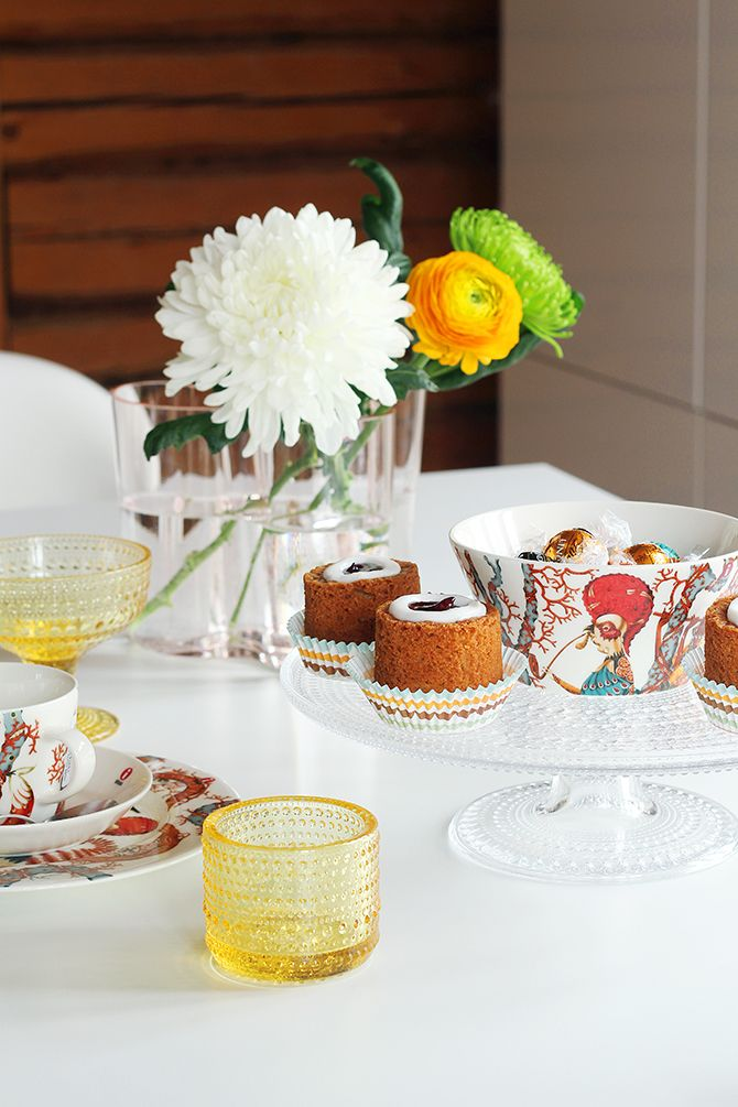 Little party with some new Iittala Tanssi tableware.