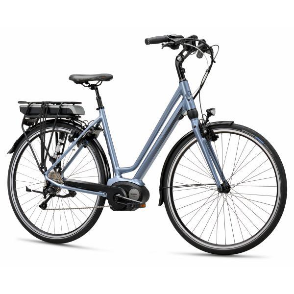 2634 Sportieve E-bike met de nieuwe Bosch Active Line Technologie voor een krachtige en betrouwbare trapondersteuning. Uniek ontwerp waarbij middenmotor, achterdrager, kabels en balhoofdstel prachtig geïntegreerd zijn in het frame.Actieradius gem. ca. 140 km (ECO-mode)Gewicht...