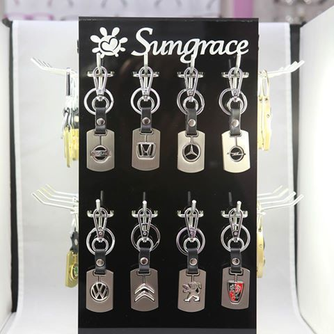 Έχετε Βιβλιοπωλείο?  Δείτε αγαπημένα προϊόντα της Sungrace που μπορούν να προσελκύσουν το αγοραστικό σας κοινό!!! New !!! Μπρελόκ Κωδικός SG16-574 Β  Ποικιλία από μπρελόκ αξεσουάρ αυτοκινήτου για να έχετε στα κλειδιά του αυτοκινήτου σας την προσωπική σας νότα με φως ή χωρίς στην πιό καλή ποιότητα! #sungrace #sungracegreece  Για Πληροφορίες και Παραγγελίες : 2130238027 6972601760 6974990450  www.sungrace.gr / email: sungrace2@gmail.com