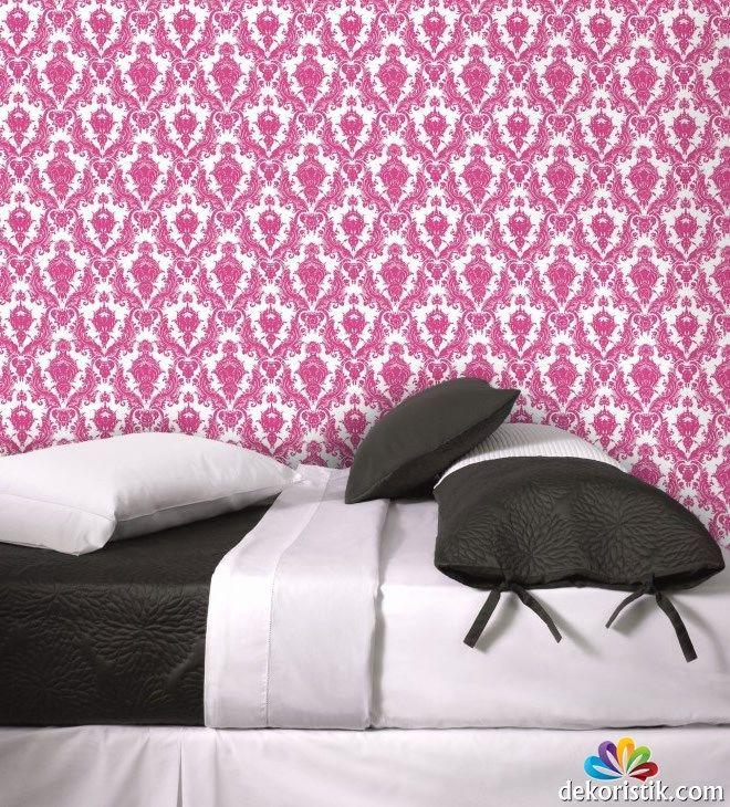 Pembe Yatak Odası Duvar Kağıdı