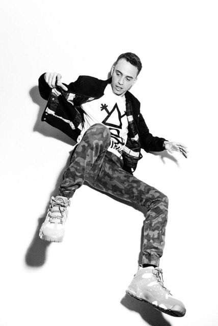 Defjam rapper Logic in the studio wearing iiJin FW15.