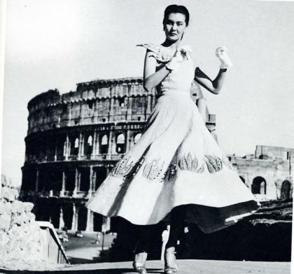 Italian Women's Fashion: Sorelle Fontana Creation