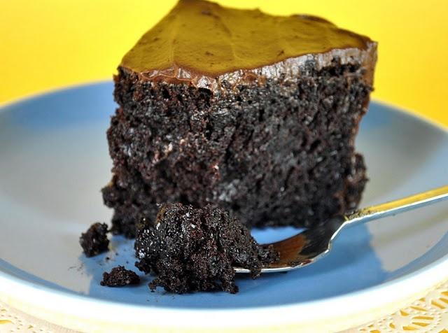 moist chocolate cake! (mayo!!)