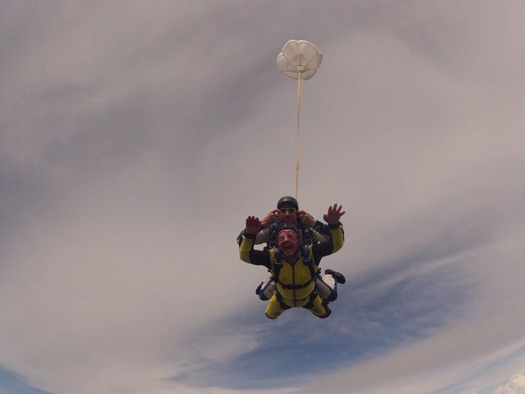 @Leukaemia & Lymphoma Research: This photo of 79 year old councillor Richard Sherras doing a sponsored sky dive makes us #FeelAlive. Awe inspiring!