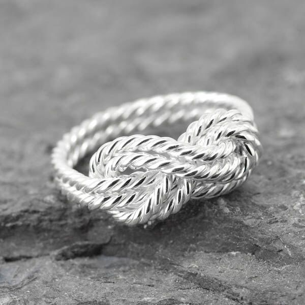 Infinity Ring, Promise Ring, sisters, best friend, Bridesmaid Gift, Wedding Band, Maid of honor, Mother daughter Ring, Bridal by JubileJewel on Etsy https://www.etsy.com/hk-en/listing/472964235/infinity-ring-promise-ring-sisters-best