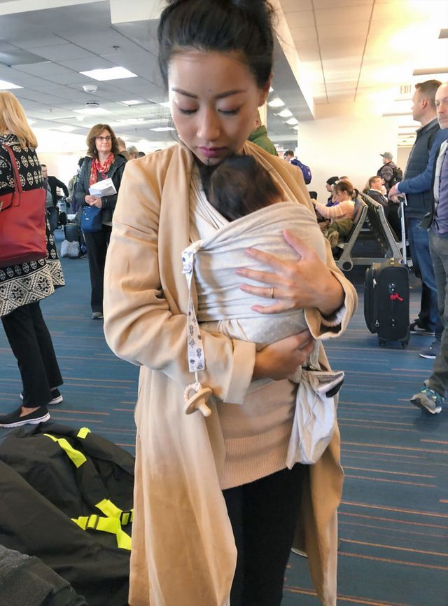 nursing-friendly) Travel outfit + flying with a baby (Extra Petite ... ad9f67bdf656d