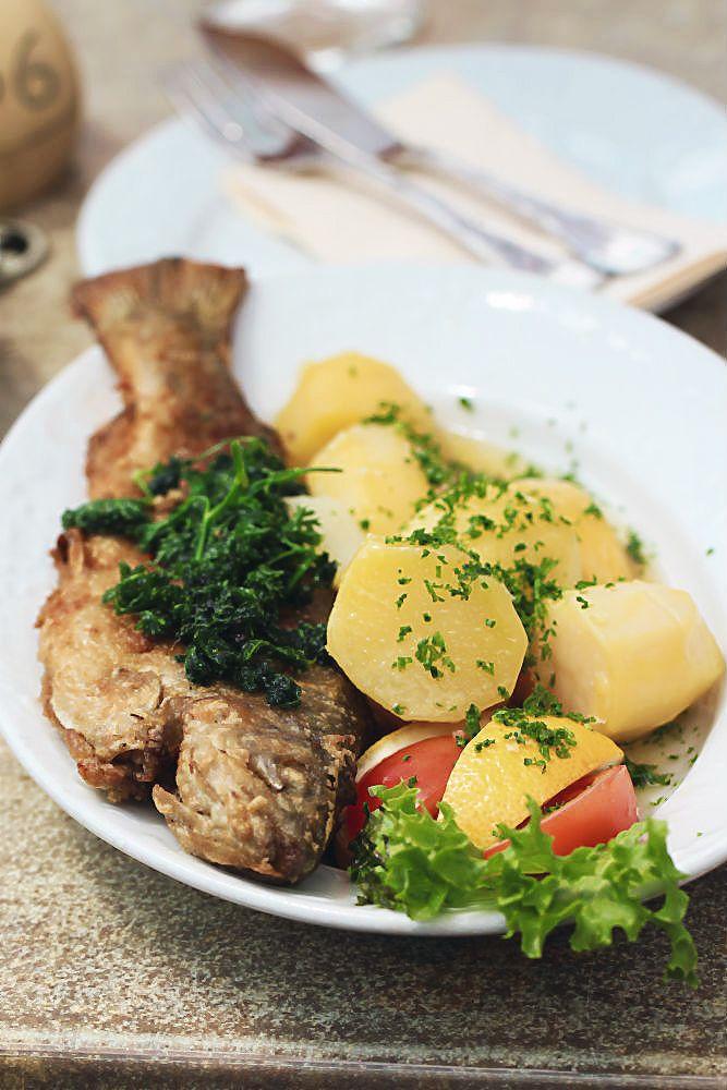 """Köstliche Forelle """"Müllerin"""" in der Kloster-Gaststätte, Abtei Himmerod   Arthurs Tochter kocht von Astrid Paul, der Blog für food, wine, travel & love"""