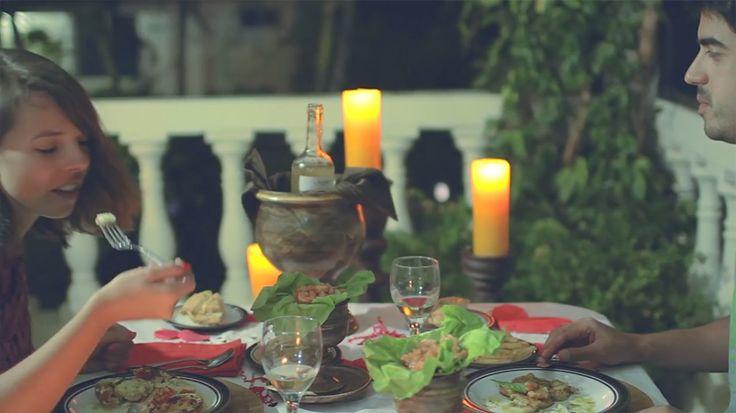 Una cena romántica en  #SanAndres , Colombia disfrutando uno de los platos típicos de la isla. Deliciosa #gastronomía  en #HosteríaMarySol . delicious cuisine! deliciosa cozinha!